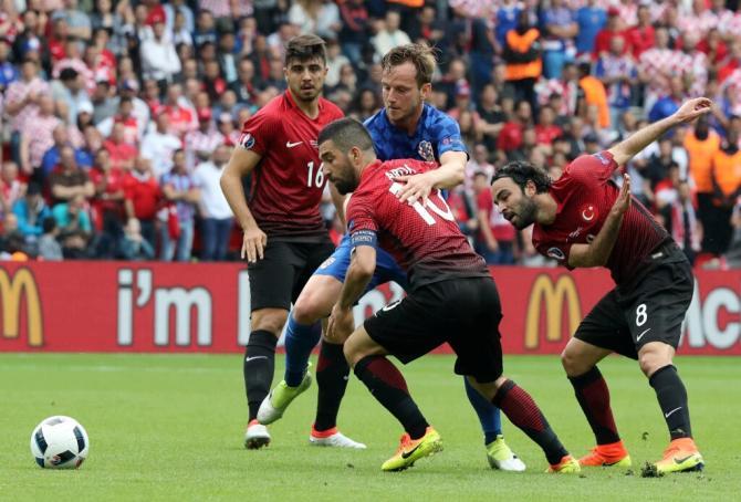Nhận định bóng đá Thổ Nhĩ Kỳ vs Croatia, 1h45 ngày 6/9 (Vòng loại World Cup 2018) ảnh 1