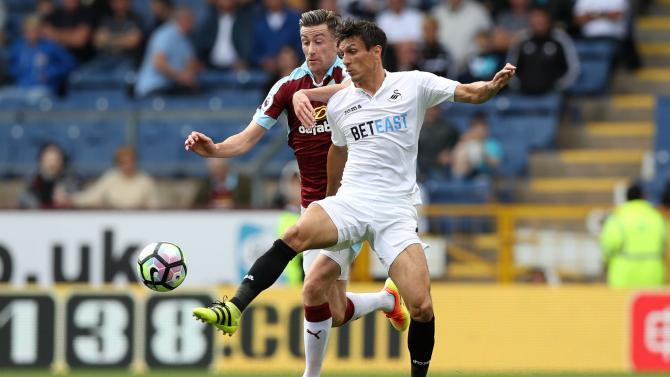 Nhận định bóng đá Burnley vs Swansea, 22h00 ngày 18/11 (Vòng 12 Ngoại hạng Anh 2017/18) ảnh 1