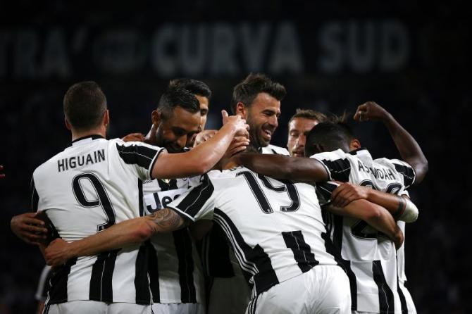 Nhận định bóng đá Juventus vs Crotone, 2h45 ngày 27/11 (Vòng 14 Serie A 2017/18) ảnh 1