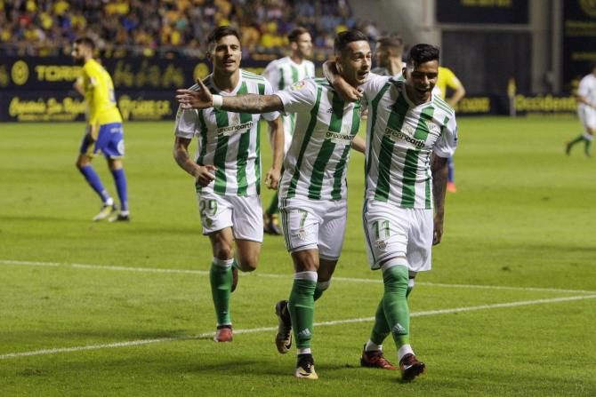 Nhận định bóng đá Real Betis vs Cadiz, 3h30 ngày 1/12 (Vòng 1/16 Cúp nhà Vua Tây Ban Nha 2017/18) ảnh 1