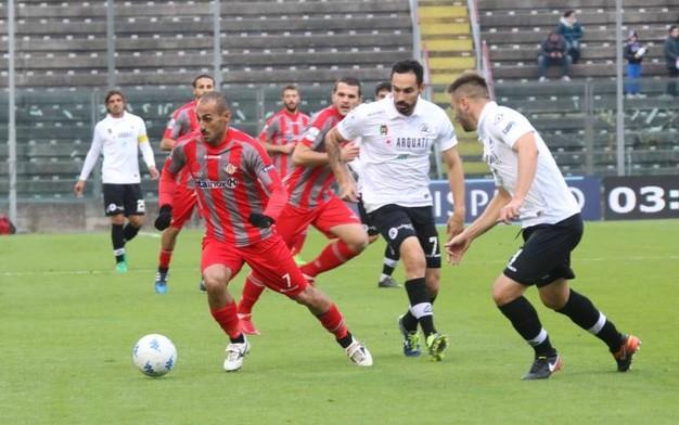 Nhận định bóng đá Cremonese vs Cesena, 2h30 ngày 29/12 (Vòng 21 Serie B 2017/18) ảnh 1