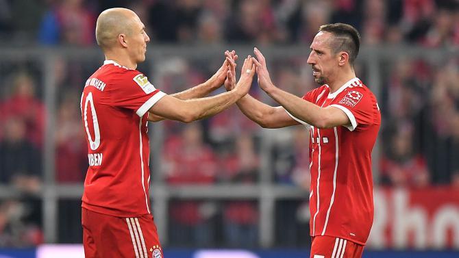 HLV 388: Bayern chốt xong tương lai Robben và Ribery