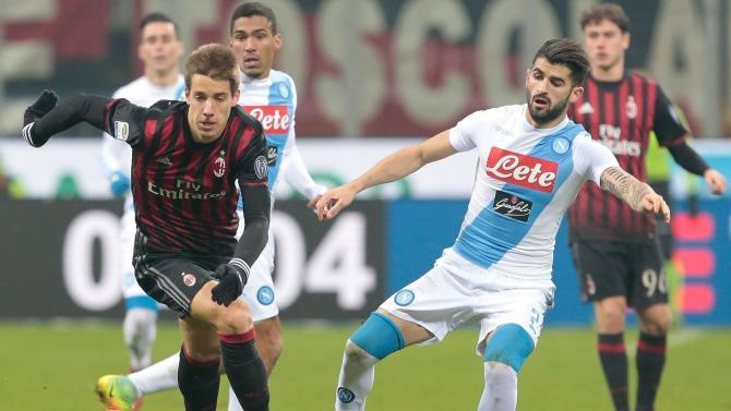 Nhận định bóng đá Milan vs Napoli, 20h00 ngày 15/5 (Vòng 32 Serie A 2017/18) ảnh 1