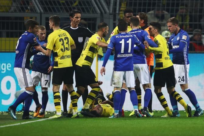 Nhận định bóng đá Schalke vs Dortmund, 20h30 ngày 15/04 (Vòng 30 Bundesliga 2017/18) ảnh 1