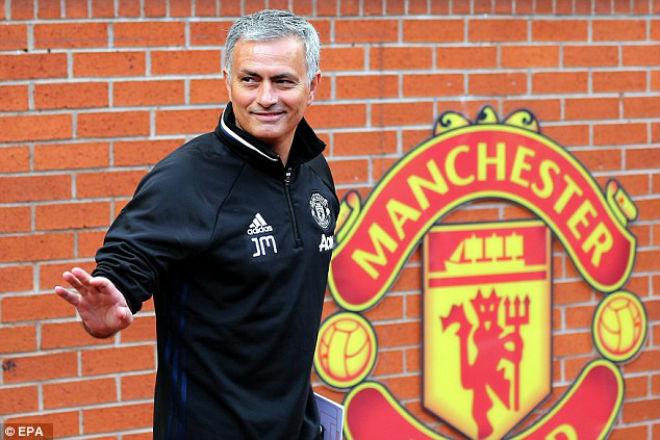 Web 388: M.U cuối mùa: Có danh hiệu, Mourinho vẫn có thể bị sa thải